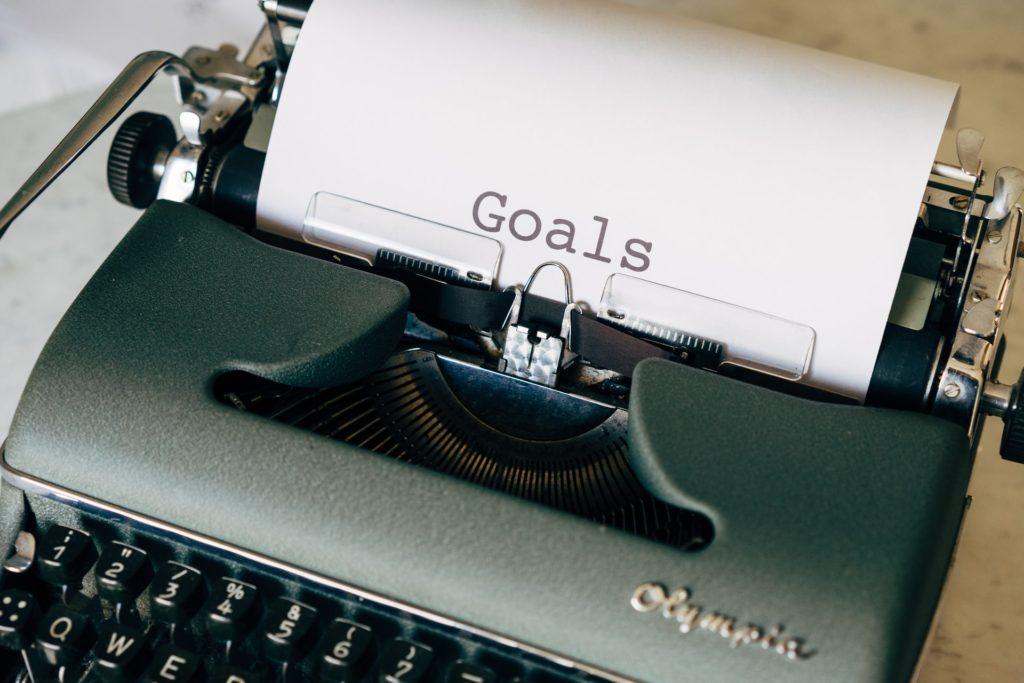 Macchina da scrivere con scritta
